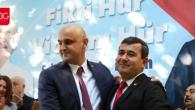 Tuna Işın Aday Olduğunu Açıklarken, Karahan'ı da Sert Bir Dille Eleştirdi