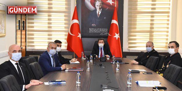 Vali Orhan Tavlı Başkanlığında İl Güvenlik, Asayiş ve Kaçak Yapılarla Mücadele Toplantısı Yapıldı